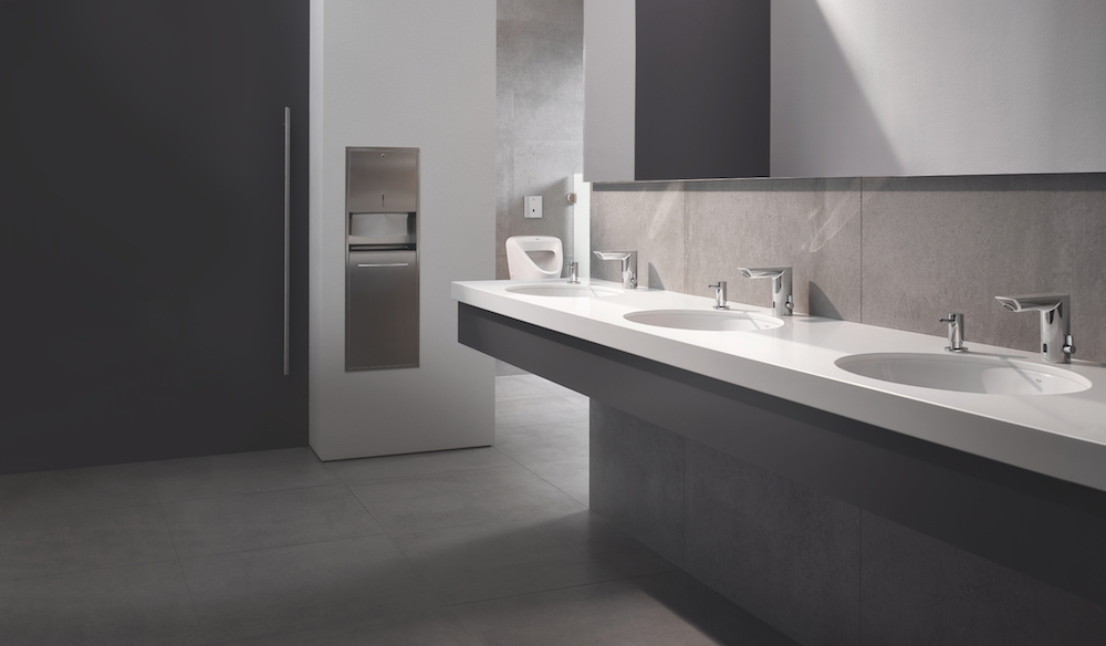 GROHE Bau Cosmo E taps in commercial washroom