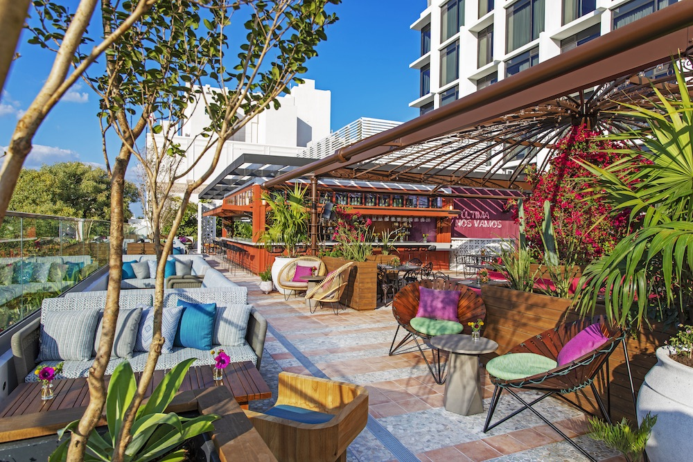 Image of terrace bar in daylight (Moxy Miami South Beach)