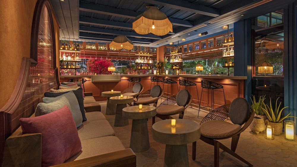 Image of bar at Moxy Miami South Beach