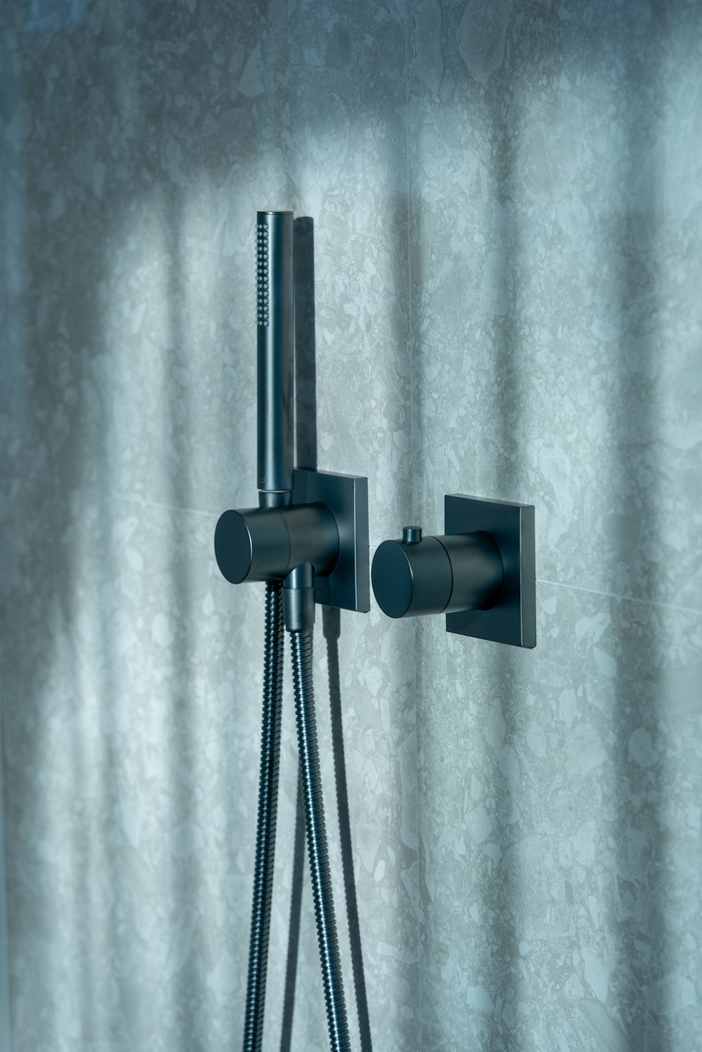 Image of matt black hand shower from KEUCO