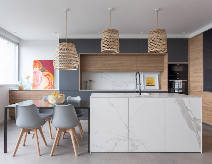 A modern interior design of a kitchen