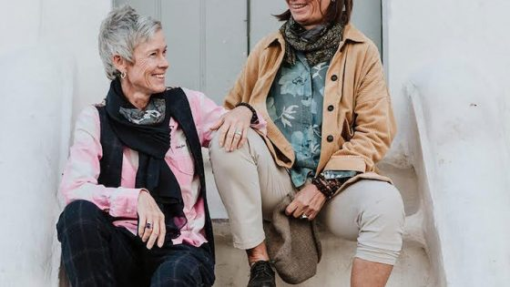 Pascale Lauber & Ulrike Bauschke on steps
