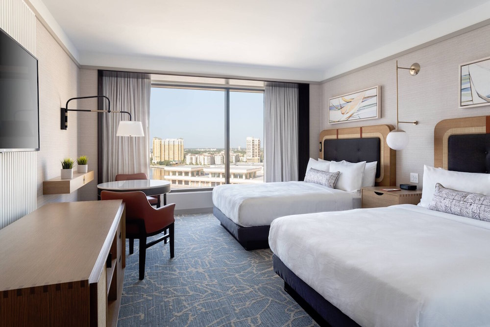 Image of modern JW Marriott guestroom