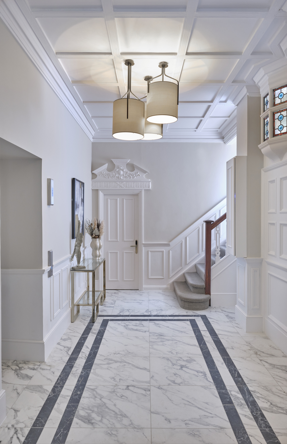 Image of marble corridor at 11 Cadogan Gardens appartment