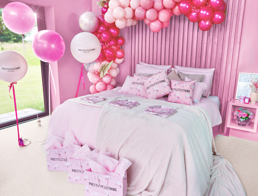 Pink bedroom - PrettyLittleThing