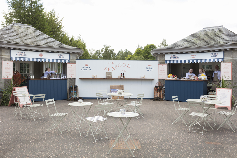 During the easing of Lockdown in Scotland, Gleneagles opened up pop-up outdoor F&B outlets.