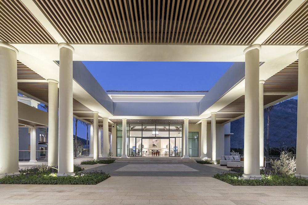 14_Springwoods Palm_Courtyard