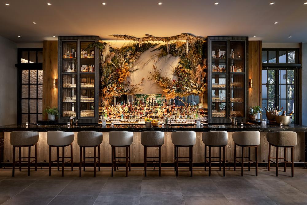 Flora lounge bar at 1 hotel Toronto