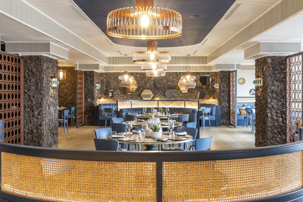 Contemporary restaurant inside RG Naxos