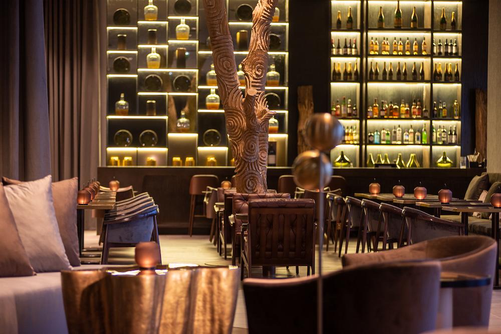 Hotel design | A modern design scheme inside new restaurant in Porto