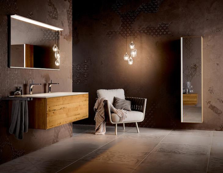 Bathroom design | Contemporary hotel bathroom, with moody interiors