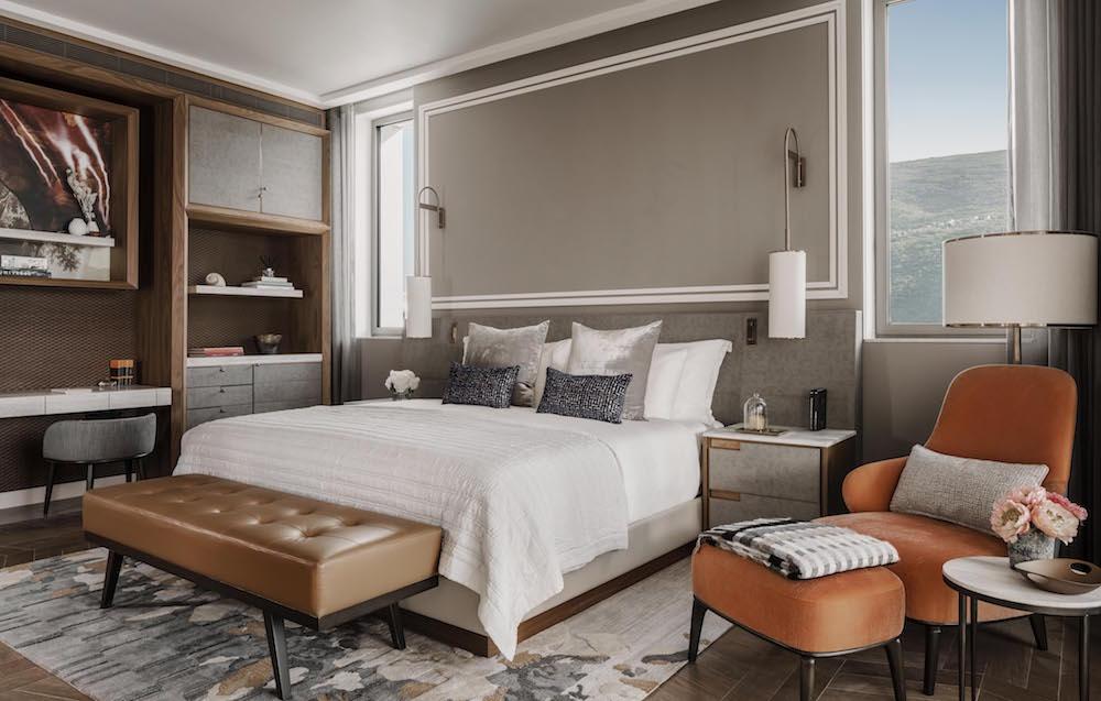 Modern residential-style guestroom